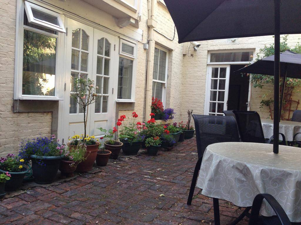 latvian guest house london review by eurocheapo